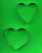 Lot of 2 Metal Cookie Cutters ck11  - $3.00