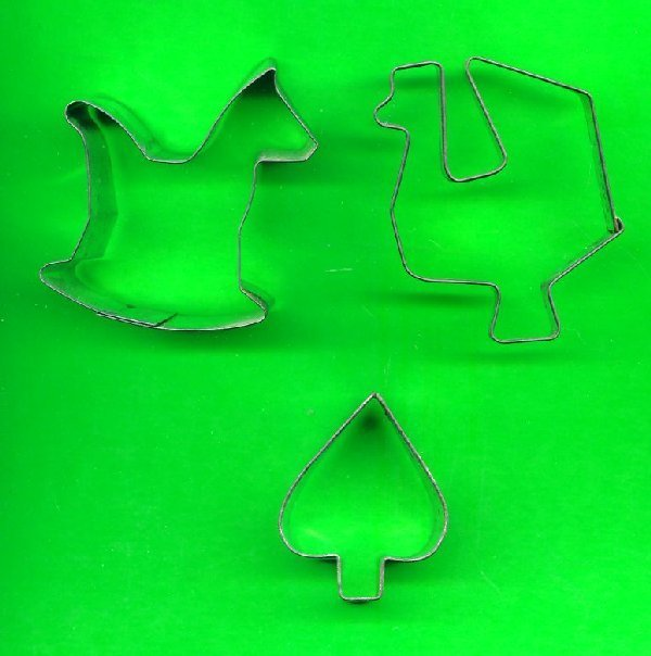 Lot of 3 Metal Cookie Cutters ck10
