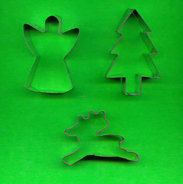 Lot of 3 Metal Cookie Cutters ck3