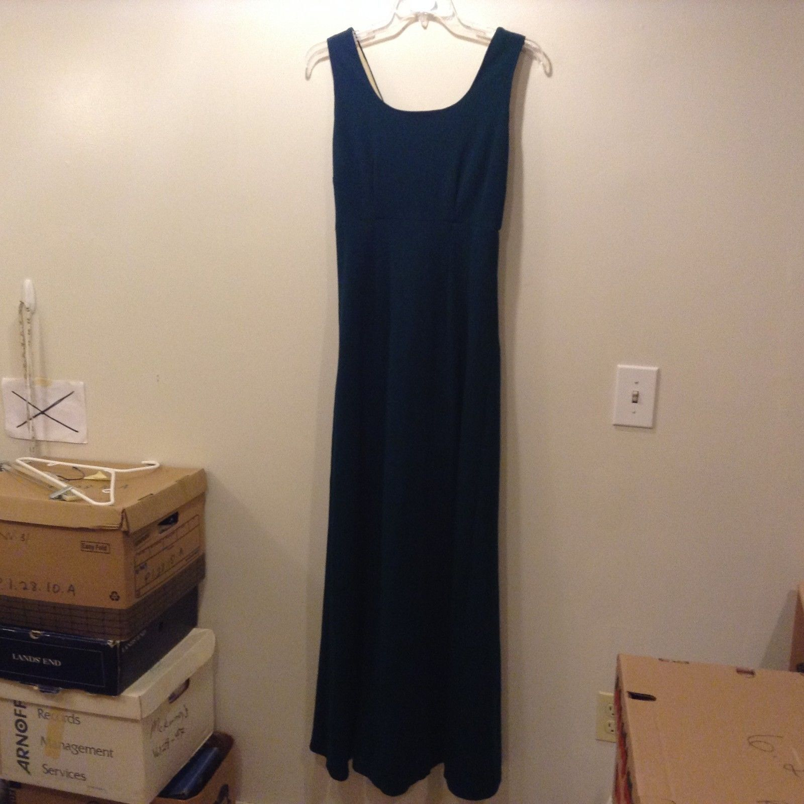 Ladies Long Green Scoop Neck Sleeveless Dress