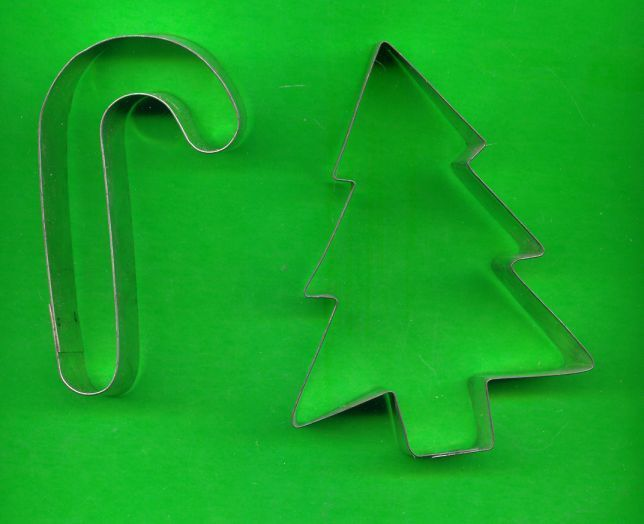 Lot of 2 Metal Cookie Cutters Candy Cane and Tree ck1