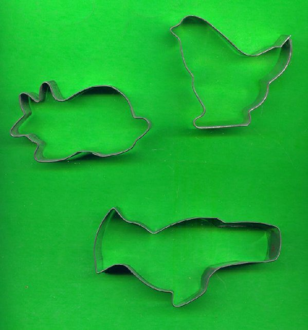 Lot of 3 Metal Cookie Cutters ck17