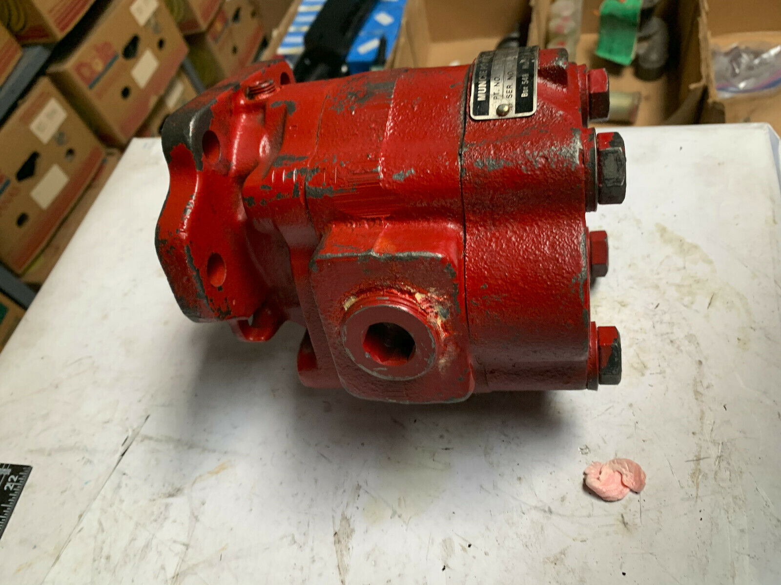 Muncie PL19-2BPBB Hydraulic Pump New 3000 psi 19 gpm flow rate at 1000 RPMS