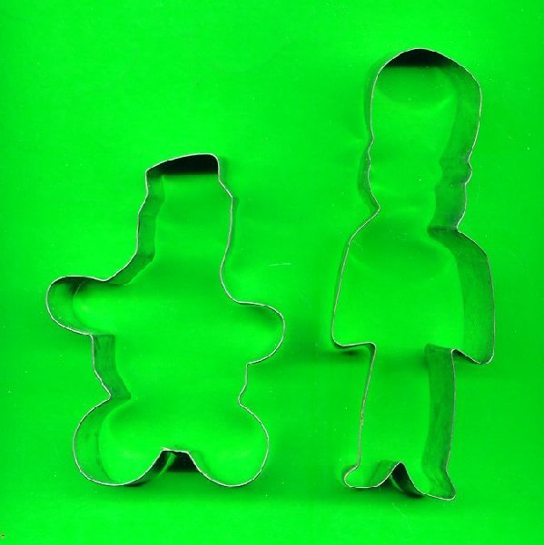 Lot of  2 Metal  Cookie Cutters ck22