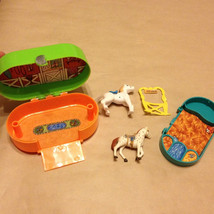 Vintage 1993 Caboodles Horse Stable Compact or Case - $12.00