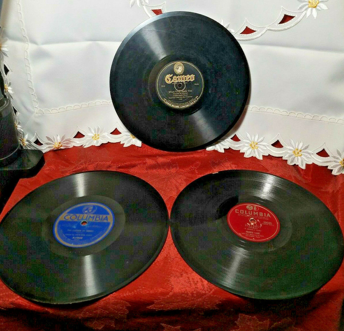 THREE 78 RPM DISC RECORDS 2-COLUMBIA 1-CAMEO SEE PHOTOS FOR ARTIST AND SONGS