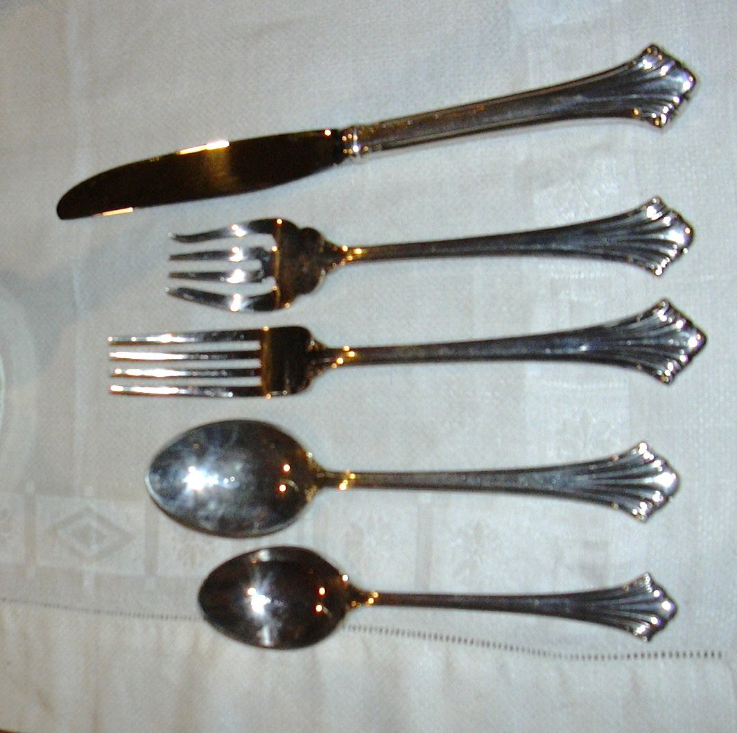 Reed   barton silverplate highland 5ppls e