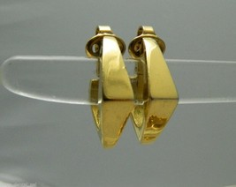 VTG TRIFARI Signed Gold Tone Modern Abstract Diamond Shape Clip Earrings - $10.93