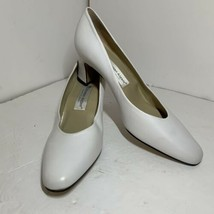 Etienne Aigner Women's Shoes White Leather w/brass Logo Size 9M - $27.50