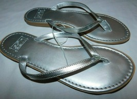 UGG Australia Silver Leather Sandals Size 7 Brand New - $40.49
