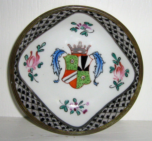 Hand Painted Porcelain Sweet / Nut Dish - Family Crest