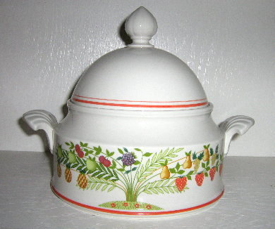 "Villeroy & Boch ""Bon Appetit"" Covered Tureen"
