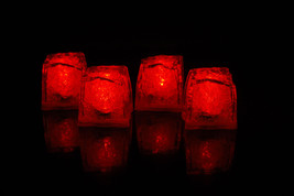 Set of 4 Litecubes Brand Jewel Color Tinted Ruby Red Light up LED Ice Cubes - $11.65 CAD