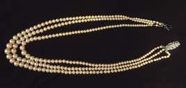 VINTAGE RETRO 1950s THREE STRING QUALITY FAUX PEARL NECKLACE, NEEDS REST... - $19.73