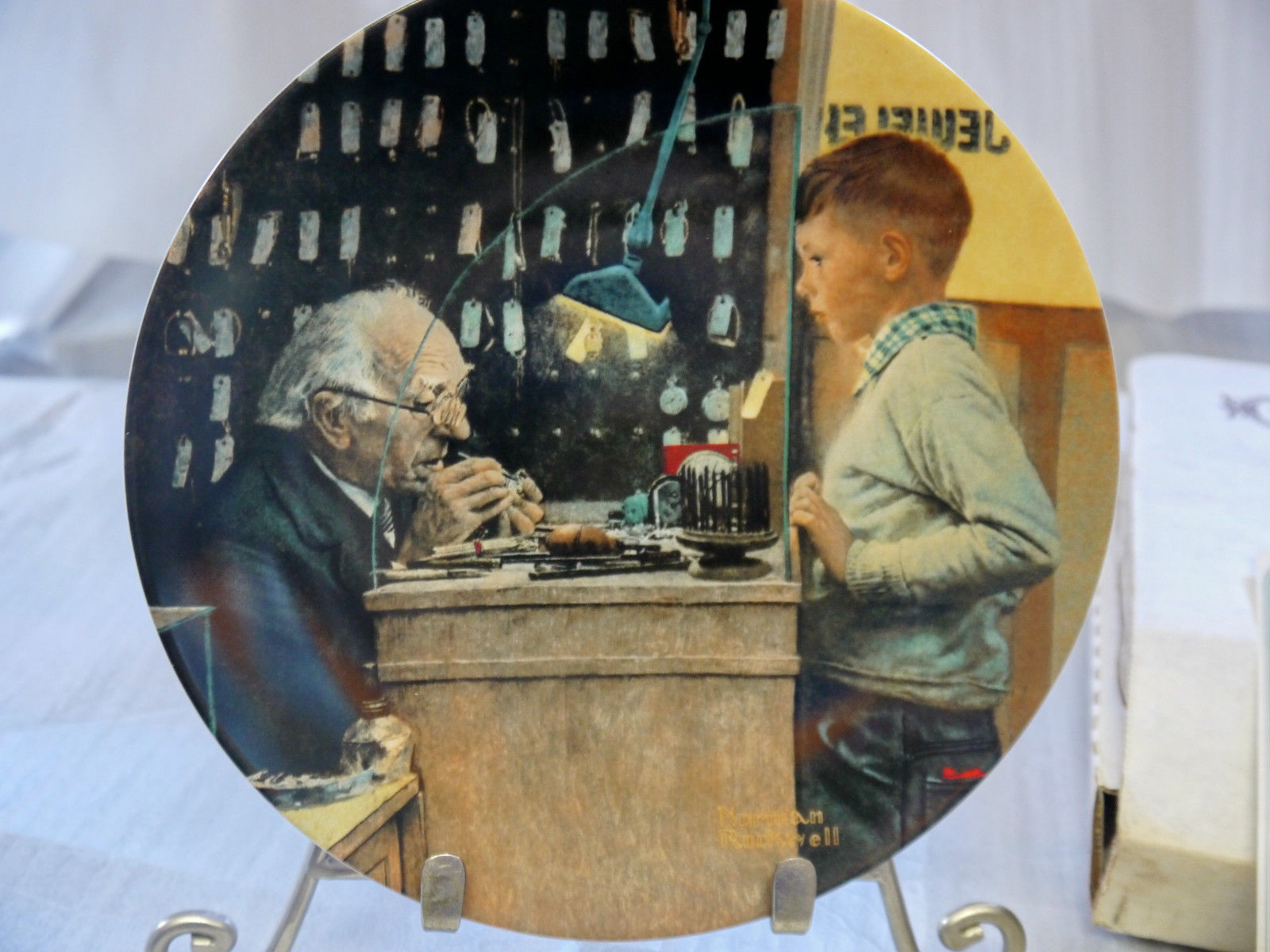 """NORMAN ROCKWELL COLLECTOR PLATE """"THE JEWELER""""  1993 Knowles  w/ COA & box"""