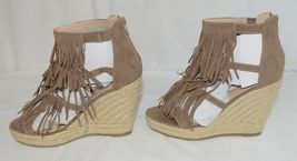 BF Betani Shiloh 8 Stone Fringe Wedge Heel Sandals Size 7 And Half image 3