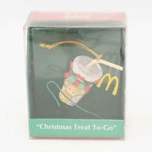 Enesco Pequeño Wonders Mcdonald's Navidad Treat A Go Miniatura Ornamento - $23.26
