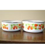 Vintage Pair of Strawberry Motif Nesting Bowls - $12.50