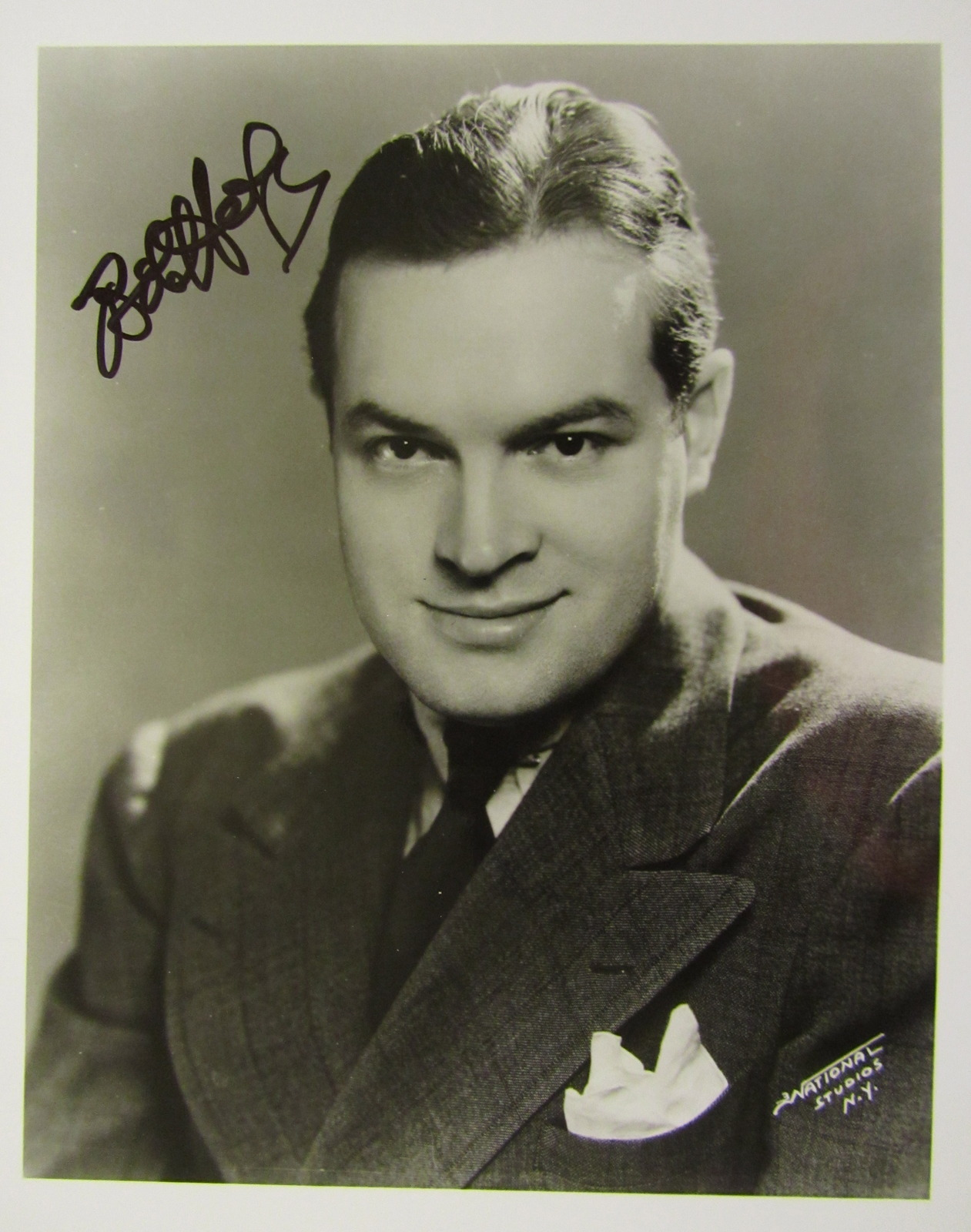 Bob Hope Signed Autographed 8 X10 Photo and 35 similar items. Img 0235