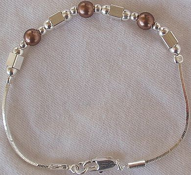 Brown pearls with silver bracelet AB