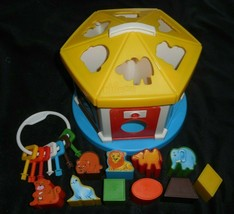 VINTAGE CHICCO COTTAGE W/ KEYS ANIMAL SHAPE SORTER PLASTIC BABY TOY MISS... - $27.73