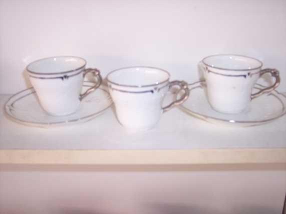 * 6 GDA France Demitasse Cups & Saucers Vintage - $33.10