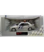Minichamps Mercedes-Benz C Class Amg Medical Car F 1 1997 26106 1/18 Scale - $424.57