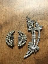 Vintage Signed La Rel Silver Rhodium Plate Rhinestone Brooch & Clip Earr... - $24.18
