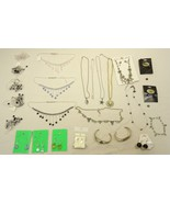 Jewelry Necklaces Bracelets Earrings Qty 25 Pla... - $39.37