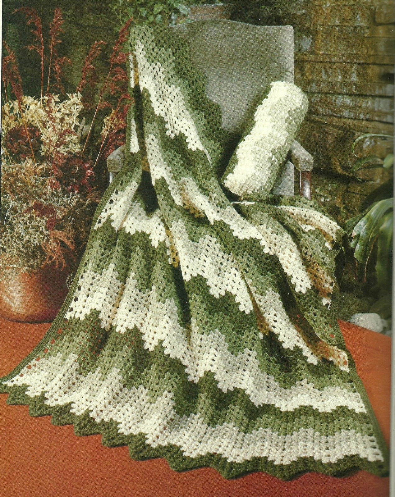 Patons Heritage Afghans Beehive Pattern Book No. 501