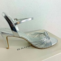New Bandolino Womens Sz 7.5 Heels Jionzo Silver Shoes Ret $69 - $27.10