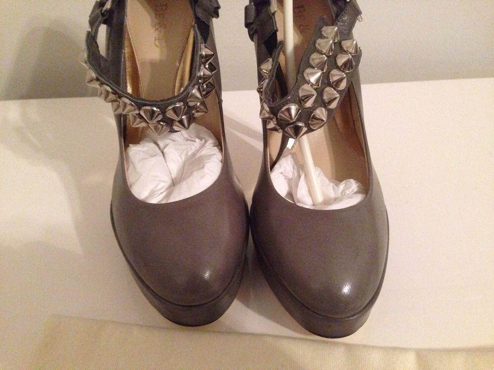 "NIB! Be&D ""Richmond"" Studded Platform Pump Shoes $550, Sz 38"