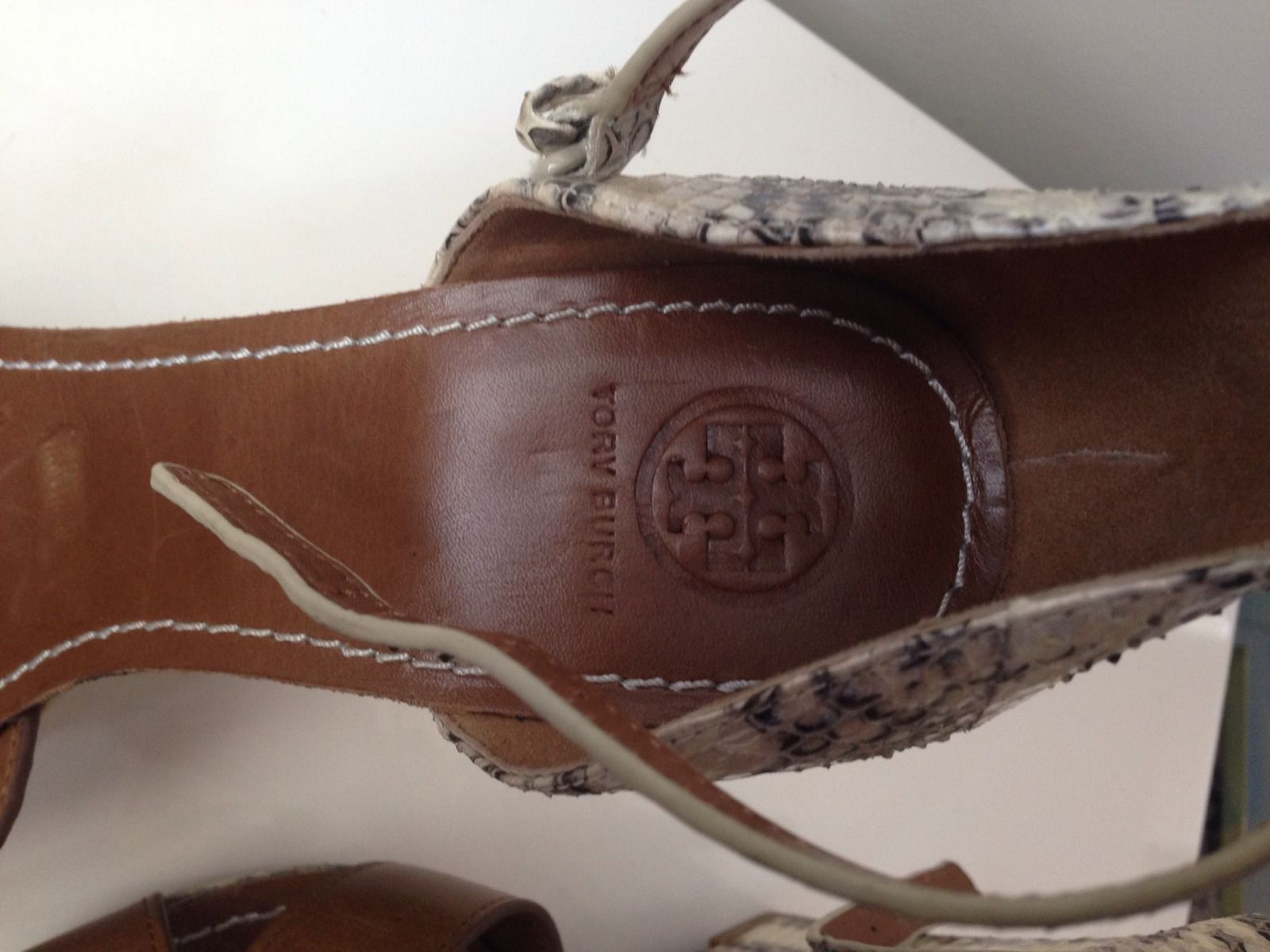 TORY BURCH LIVIA SNAKE WEDGE SANDAL - NEW - SIZE US 9.5 M