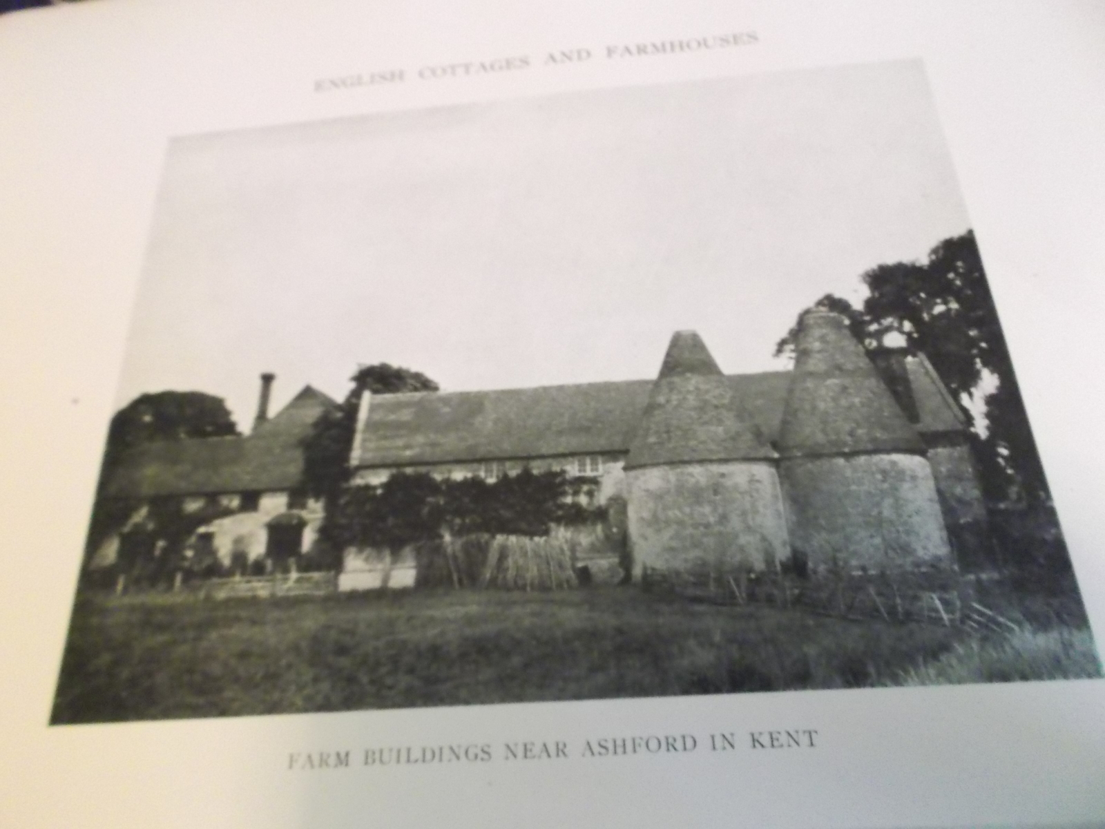Cottages, Farmhouses and Other Minor Buildings in England pub 1923