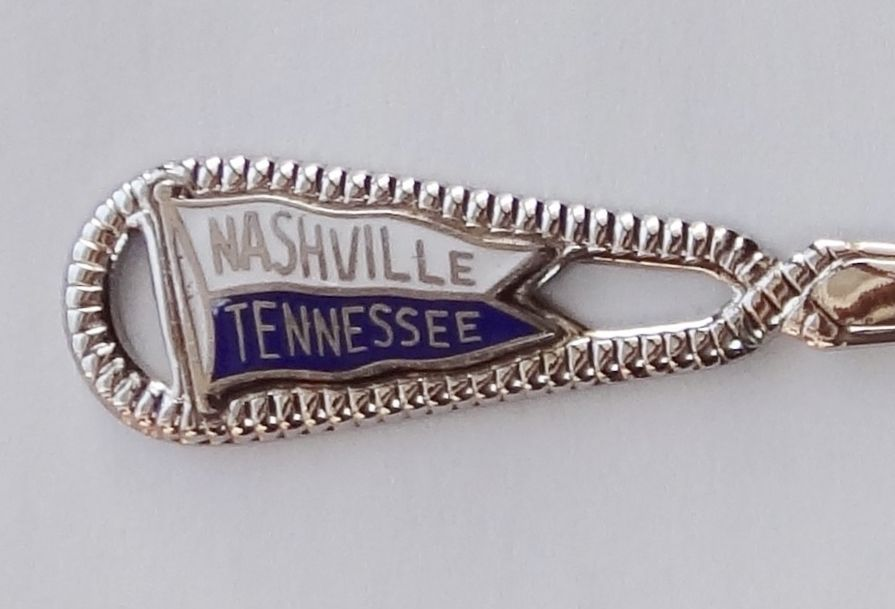 Collector Souvenir Spoon USA Tennessee Nashville Pennant Banner Flag Emblem