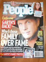 People Magazine Hilary Duff Garth Brooks Kate's Baby April 20 2015 - $2.99