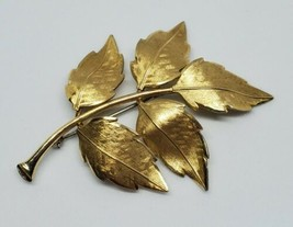 Vintage Krementz Gold Tone Leaf Foliage Brooch - $13.00