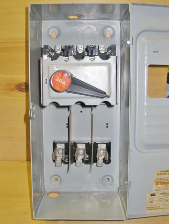 FPE SWITCHMATIC 30 AMP, 3 PHASE, 600 VOLT FUSED DISCONNECT SWITCH ~ RARE!