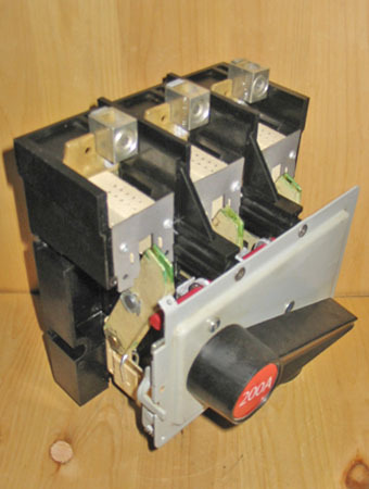 FPE SWITCHMATIC 200 AMP FUSED SWITCH 'LINE' BLOCK w/HANDLE (240/600 VAC) ~ RARE!