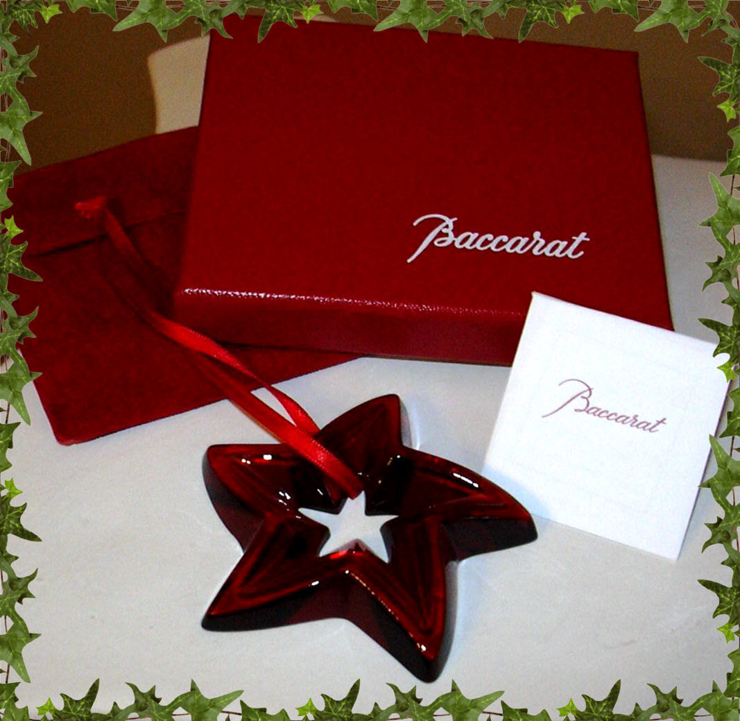 BACCARAT RED STAR ORNAMENT