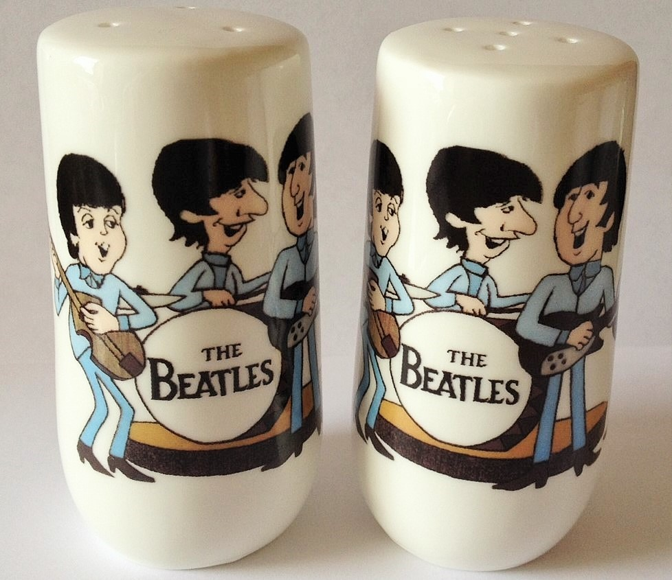 THE BEATLES Love Love Me Do CERAMIC SALT AND PEPPER SHAKERS Made in England