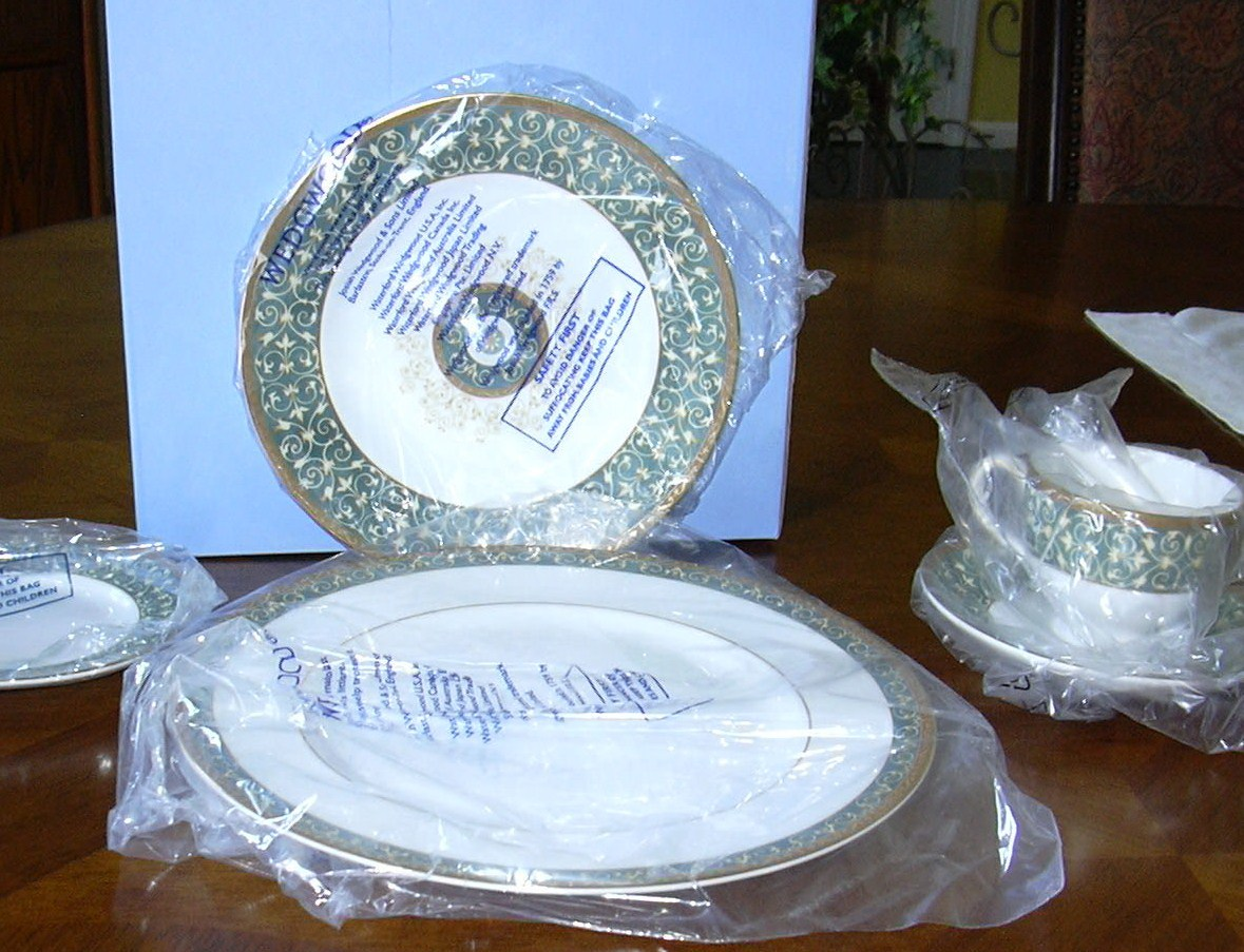 WEDGWOOD EVERLEIGH  PLACE SETTING *New***