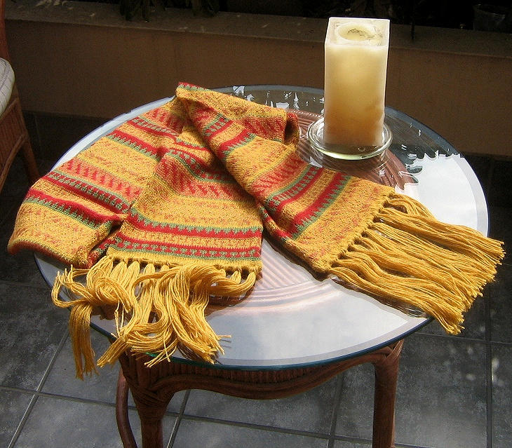Primary image for Alpacawool scarf, shawl in a folclorical peruvian design