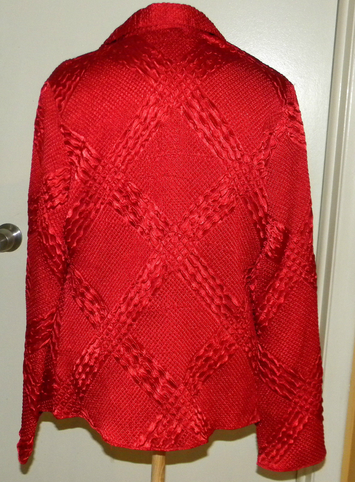 ESSENTIALS By MILANO Bright RED button front long sleeve blouse cover all size L