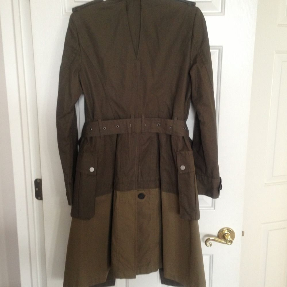 BCBG MAX AZRIA MILITARY STYLE WOVEN TWO TONE TRENCH COAT-SIZE SMALL- BNWT!!!
