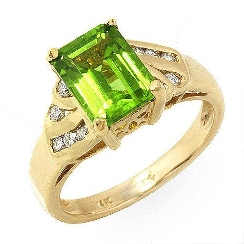 4.77 ct Flawless Peridot and Diamond ring 14k