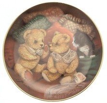 Franklin Mint Bear Facts Sue Willis plate CP2217 - $40.43