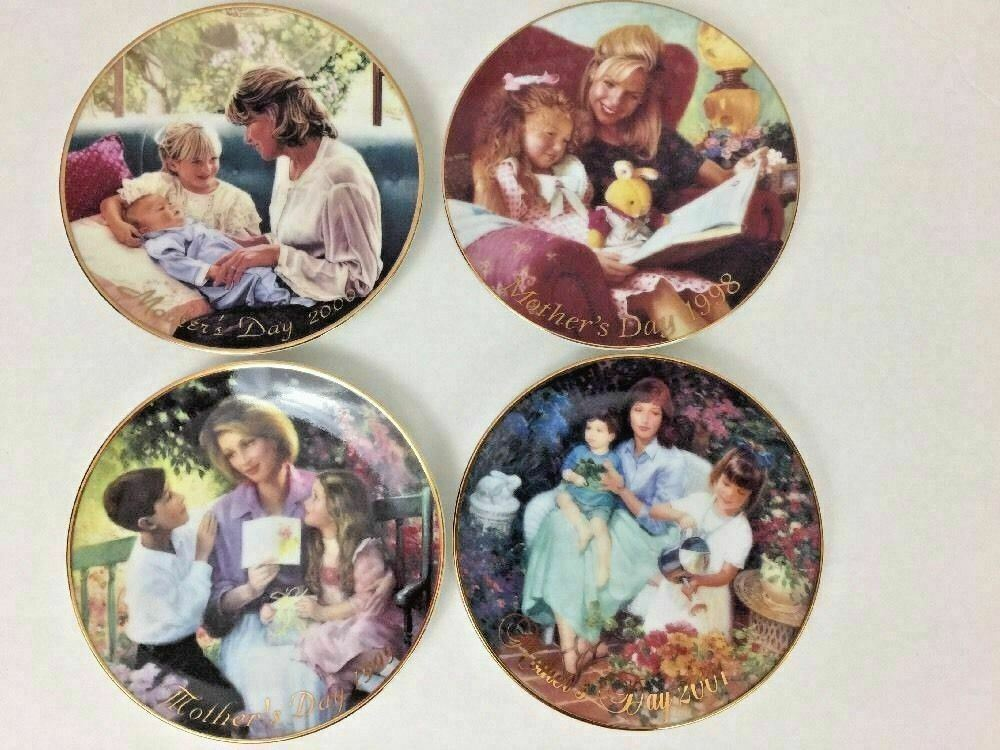 "4 Avon Mothers Day plates 5"" Porcelain Trimmed 22K Gold Vintage 1998 - 2001 Love"