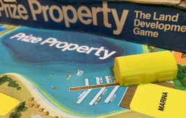 Prize Property Game Piece Marina Building Yellow Milton Bradley 1974 - $3.95
