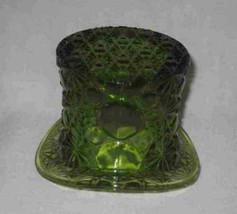 """Vintage 3 1/2"""" X 3 1/4"""" X 4 1/2"""" Green Fenton Glass Daisy And Buttons Top Hat - $9.29"""